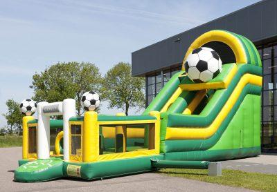grand château gonflable football et toboggan