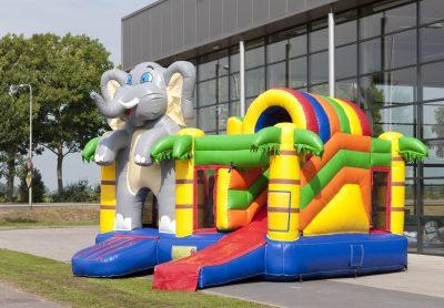 Petit château gonflable et toboggan éléphant